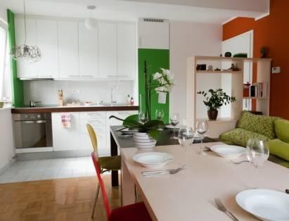 Idee arredamento arredare un monolocale all 39 insegna del for Appartamenti montagna design