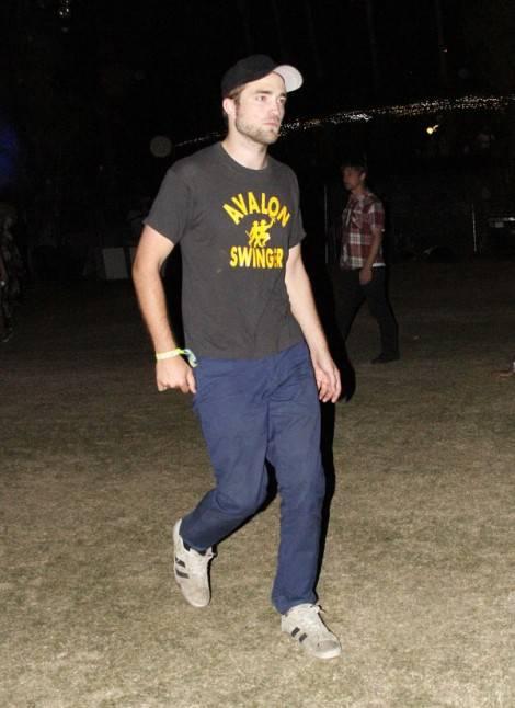 pattinsonlifecoachella 1 600x825 470x646 COACHELLA Weekend 2: da Robert Pattinson e Kristen Stewart a Dita Von Teese, ancora star per il festival musicale