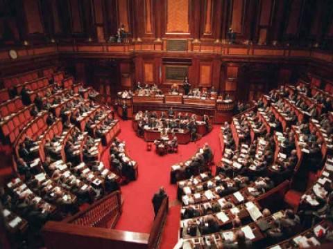 Approvato quasi all'unanimità lo scostamento di bilancio da 8 miliardi