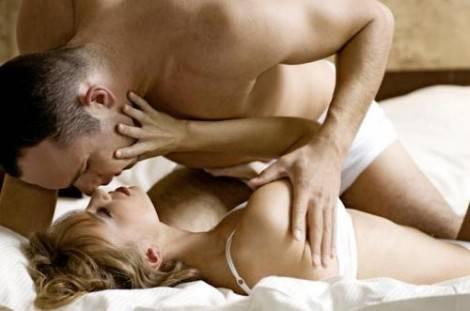 sesso tra due donne e un uomo coppia con amico