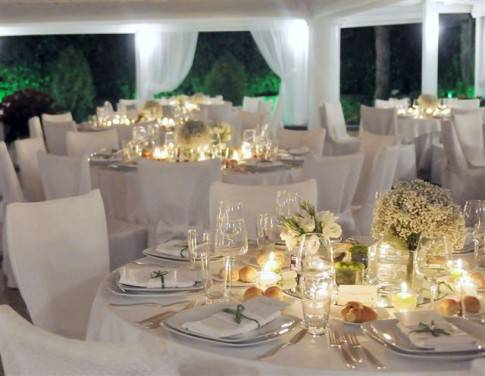 Idee matrimonio scegliere il centrotavola for Luogo di nozze con cabine
