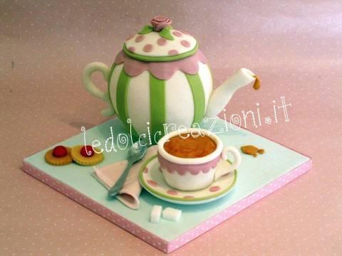 teacup e1332764774831 TORTE DECORATA: unidea perfetta per tutti gli amanti del tè