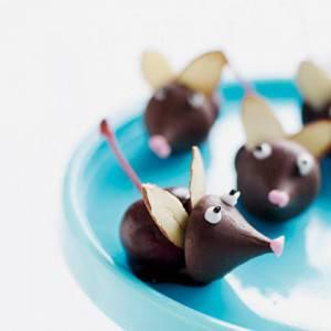 topolini di cioccolato 300x300 Una simpatica merenda per i vostri bambini: i topini di cioccolato!