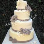 WEDDING CAKE: romanticismo barocco color tortora